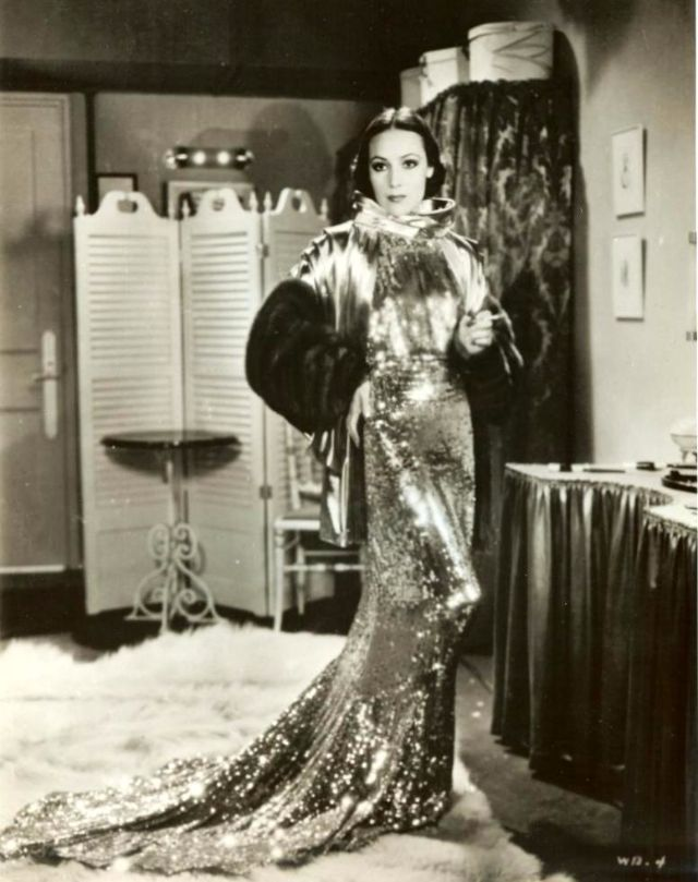 One of America's First Latina Film Stars: Glamorous Photos of Dolores del Río From the 1920s and 1930s ~ vintage everyday