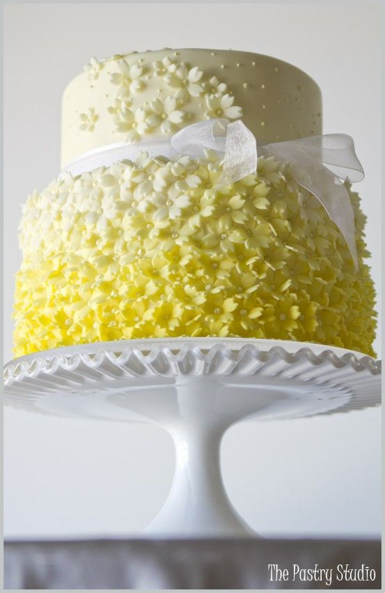 Freesia Wedding #yellowwedding #wedding #ombrewedding