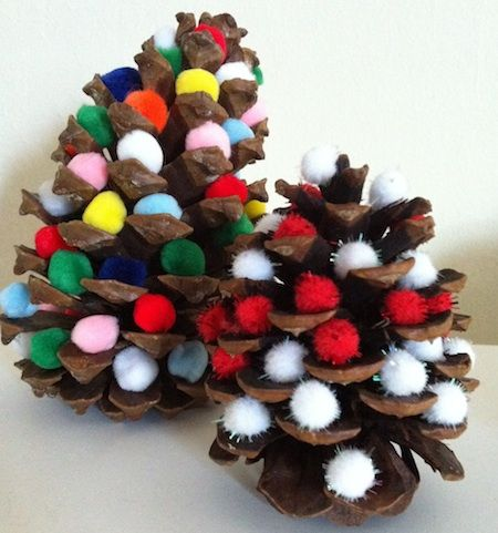 Two+Ingredient+Tuesday:+Pine+Cone+&+Pompom+Christmas+Trees