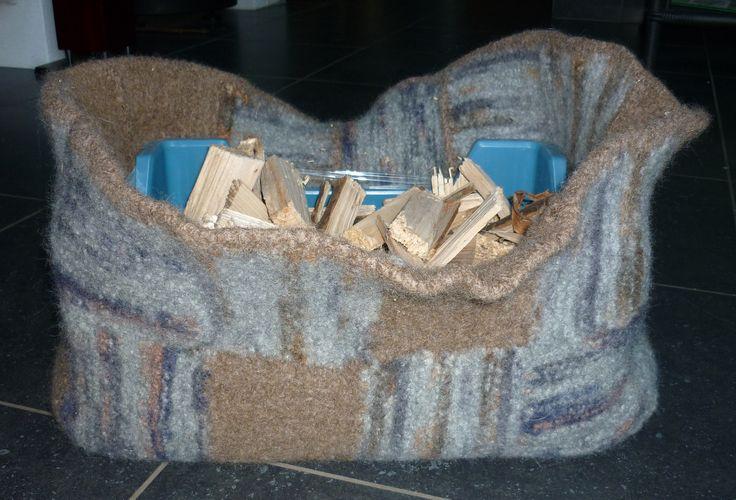 Panier à bois en laine feutrée
