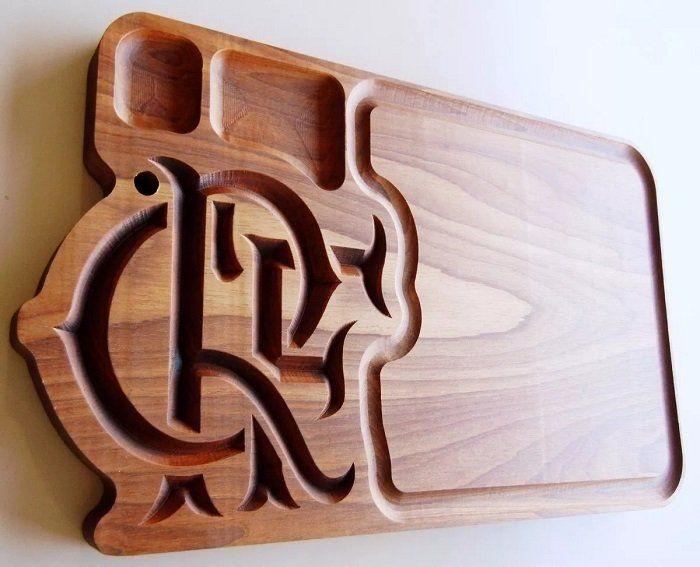 c1537ba6f1 Tábua de carne em madeira para churrasco personalizada time Flamengo -  Adrishop - Sua Loja de Variedades