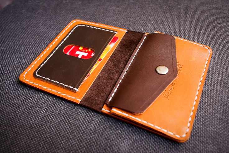 Leather purse handmade, 1.2 mm thickness. Color : combination. In a purse there are 2 departments under the bill, a Department under plastic card as well as a trifle. #ручнаяработа #натуральнаякожа #ярмаркамастеров #подарки #назаказ #чехолизкожи #leather #leather2017 #leatherwallet