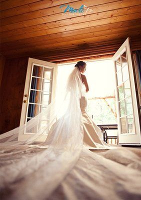 Bride with cathedral veil at Hidden Creek