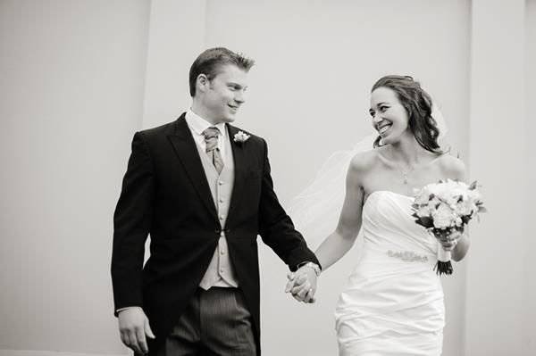 Be sure to check out Laura & Ryan on our Real wedding blog x