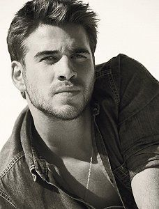 Liam Hemsworth is too beautiful. Seriously.