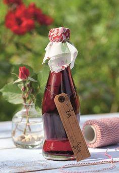 Rosen-Sirup zum Verlieben - Rezepte & Ideen für Geschenke aus dem Garten