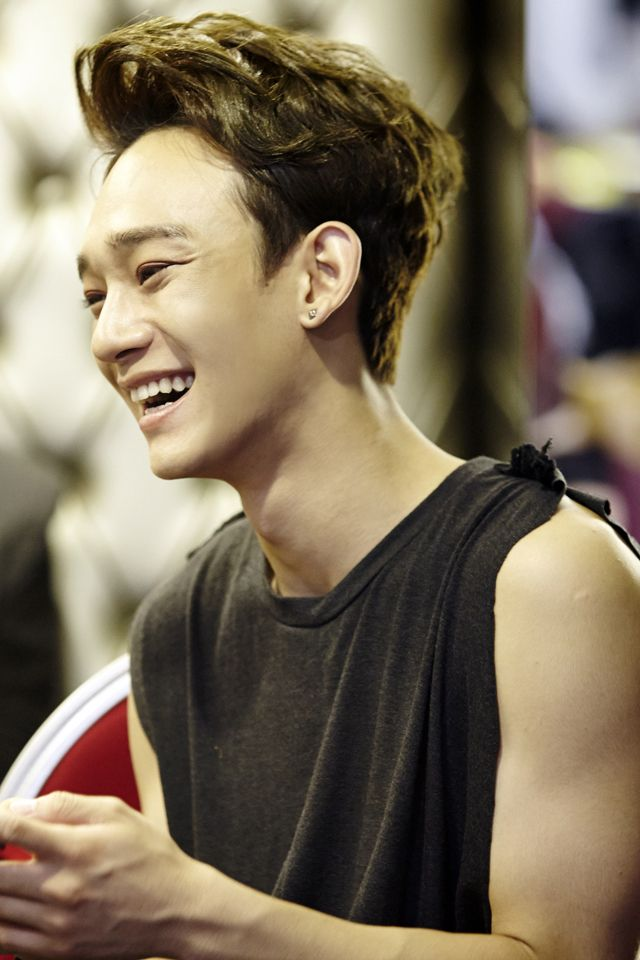 Chen | official SMTOWNnow 140826 update '-The Lost Planet- in Singapore'