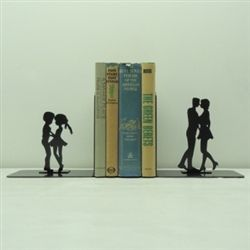 Kissing book ends