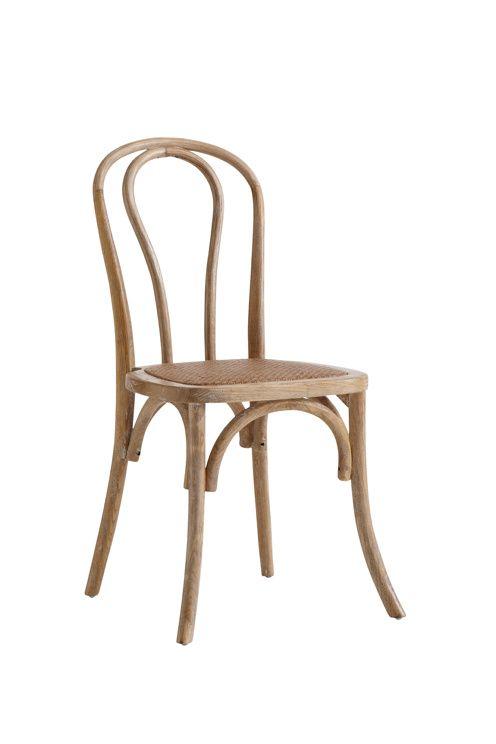 2 stolar av massiv alm med sits av vadderad rotting. Höjd 90 cm. Bredd 48 cm. Djup 54 cm. Sitthöjd 46 cm. Sittdjup 41 cm. Monterad. <br><br>