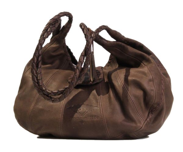 Thembi Bag in hand-stitched brown leather. #leather #handbag #brown #luggage #fashion