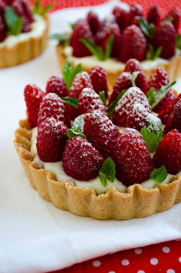 Strawberry Pie with Vanilla Pudding | giverecipe.com | #strawberry #tart