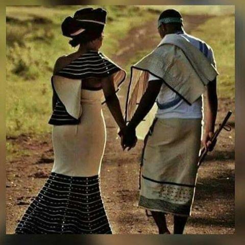 photo of khanyas(Khanya Shologu), myculture: Inyani mayithethwe, singabona bantu abane traditional attire entle shame. Mna ke ndithi mandizazise kancinci kuba andikwazi uzithutha ncam Ndingu Msuthu, uBhayi, uKhetsha, uMvundle, Ncilashe, Mev'amhlophe, uCamsholo, Inyoke'mnyama ecandiziziba......... Ndiyabulisa #ProudXhosa #MyCulture #Umbhaco #African