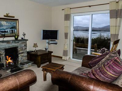 Heron Water Cottage Greenane  - Wohnzimmer ein bisschen verwackelt, abertrotzdem schön.