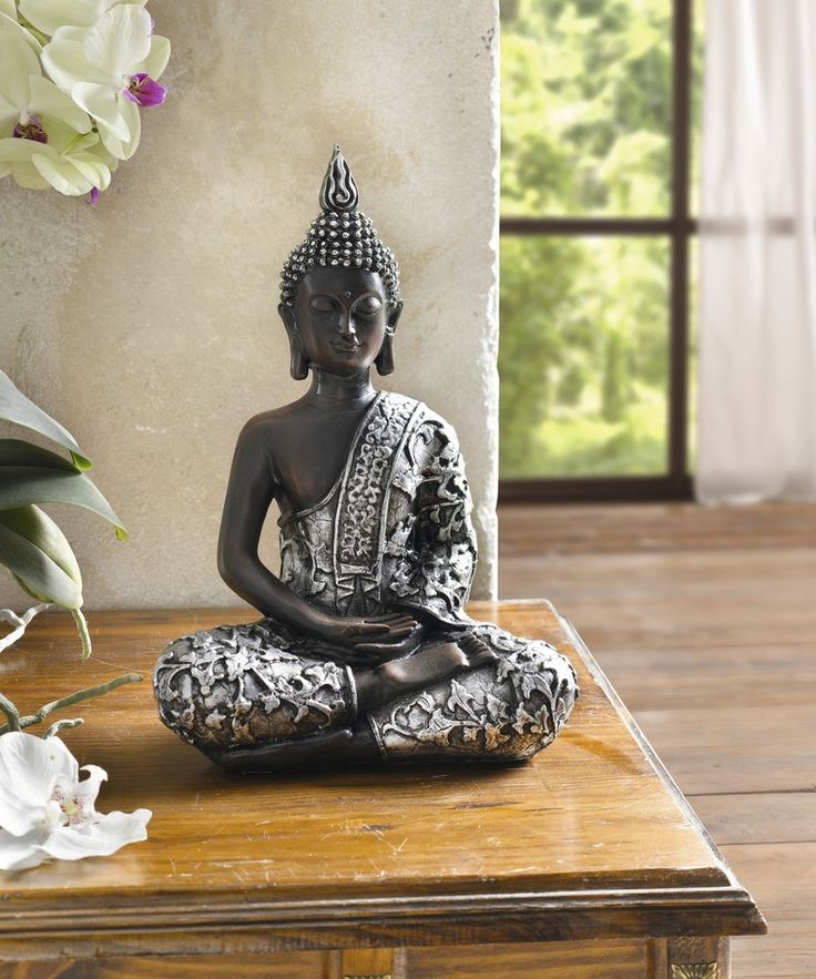 die besten 25 buddha deko ideen auf pinterest gro e buddhastatue rustikaler m dchendekor und. Black Bedroom Furniture Sets. Home Design Ideas