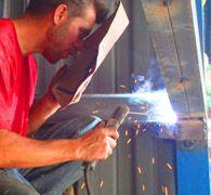 Eriş, ferforje, çelik çatı, çelik konstrüksiyon,  balkon korkulukları, pencere korkulukları, demir doğrama, kaynak işleri, ferforje imalatı konusunda Pendik'te hizmet vermektedir.