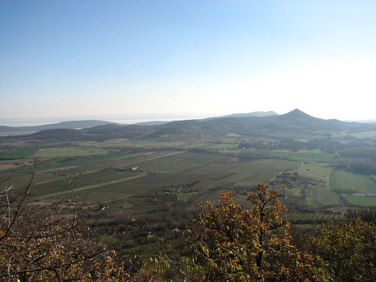 Csobánc vára (Gyulaffy-Pethő vár) (Gyulakeszi közelében 1.9 km) http://www.turabazis.hu/latnivalok_ismerteto_858 #latnivalo #gyulakeszi #turabazis #hungary #magyarorszag #travel #tura #turista #kirandulas