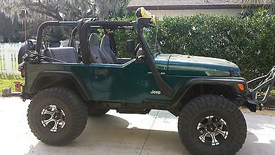1998 JEEP WRANGLER 4WD- LIFTED, SOFT TOP, WINCH, NO RUST NEW ENGINE, SPEAKER BAR