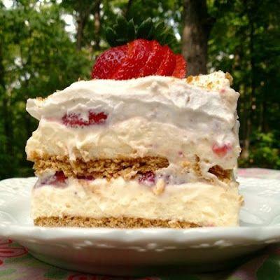Strawberry Cream Cheese Icebox Cake @keyingredient #cake #cheese #cheesecake