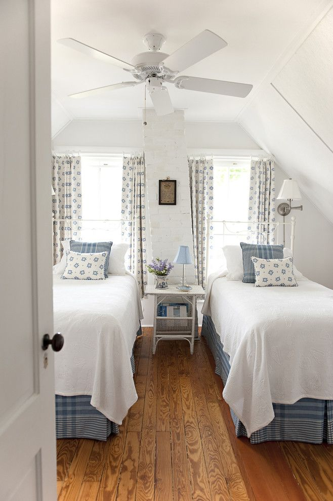 Splendide ragazze bedskirts idee di decorazione in camera da letto idee di progettazione spiaggia con vista sulla spiaggia splendida casetta beige fantasia tende blu e bianco letto blu farsa blu