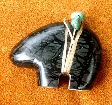 Navajo bear fetish pendant