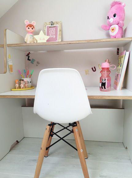 lemodi-kinderkamer-kleuter-bureau-tafel-spelen-speelhoek-kleuter-school-tekenen-knutselen-speelhoek-cadeau-verjaardag-meubel-kinderkamermeubel-ladylemonade_nl28