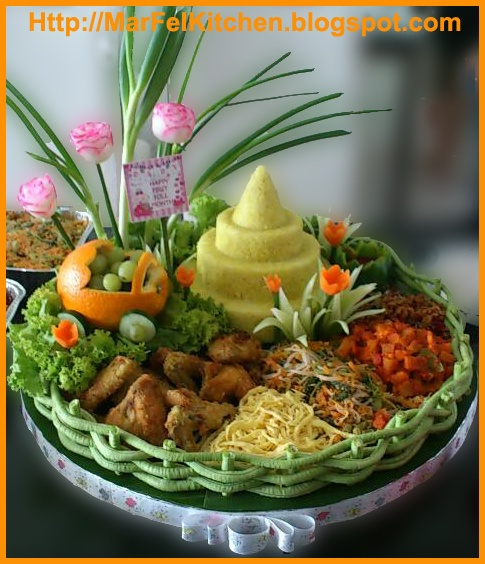 MarFel's Kitchen: Tumpeng for Baby First Full Month - May 2012