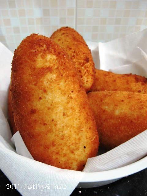 Just Try & Taste: Obsesi Roti 5: Roti Goreng Isi Kari Daging