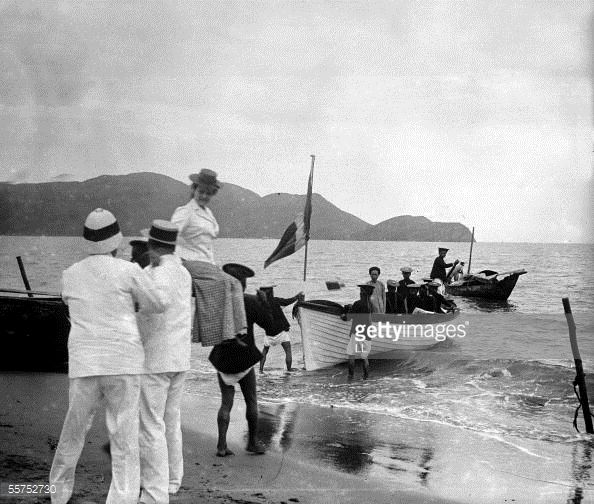 News Photo : Qui Nhon. Tonkin . French colonists embarking on...