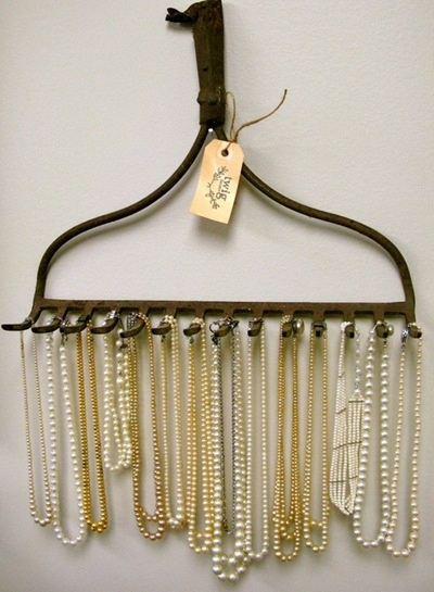 Use a rake to hang jewelry http://www.brokeandhealthy.com/50-fun-ways-to-hang-your-jewelry