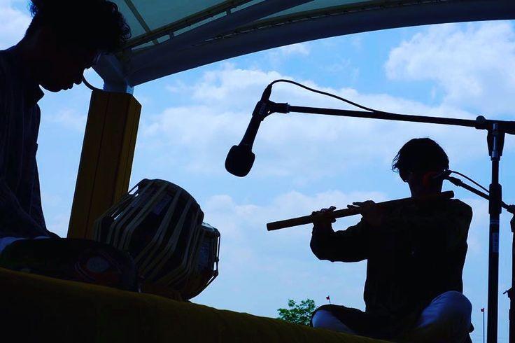 gumiくんとのライブ天気も音もバッチリでした  #tabla#percussion#rhythm#sound#acoustic#drums#musician#music#instrument#beats#india#kosukenakao#タブラ#パーカッション#リズム#打楽器#中尾幸介#gumi#バンスリ by kosukenakao