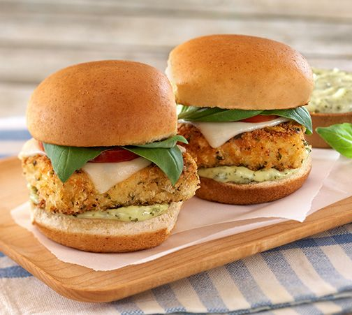 Crispy #Tofu Parmesan Sliders appetizers look delish! Perfect for entertaining or just for dinner. #soyswaps #soyfoodsmonth #recipe from @housefoodstofu