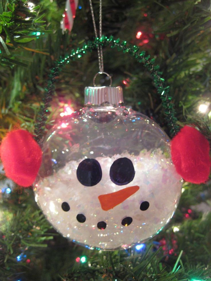 Super cute diy snowman ornament holiday crafts pinterest for Plastic snowman