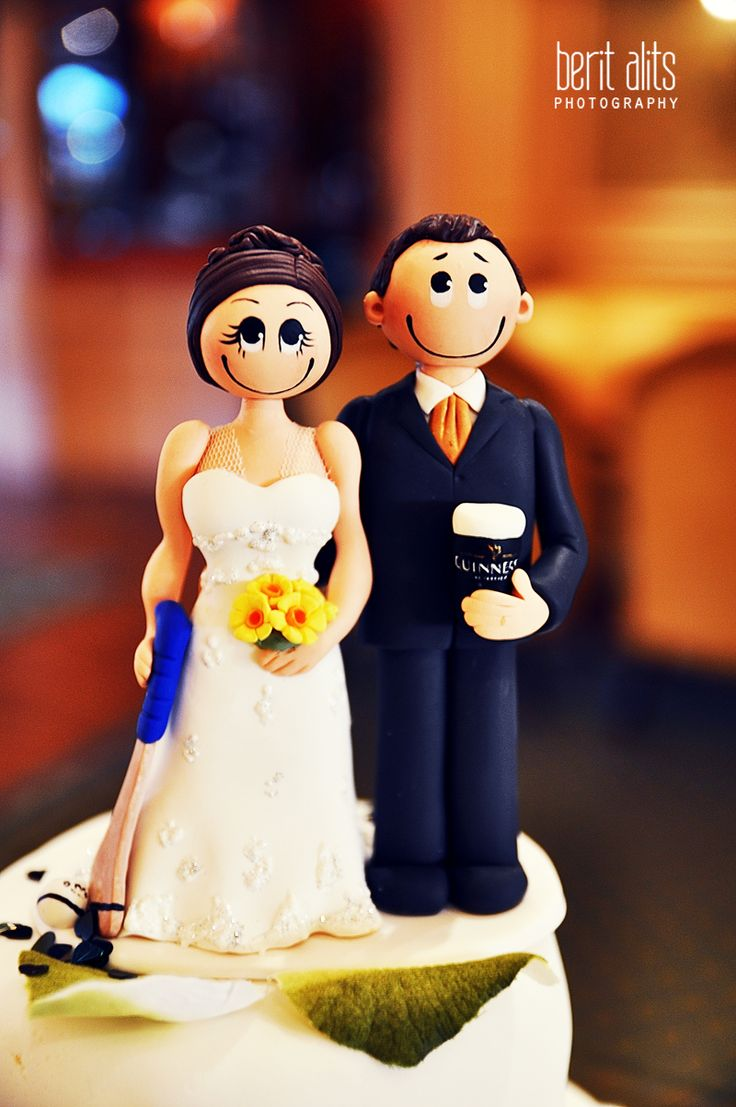 berit alits photography - hurling wedding cake topper