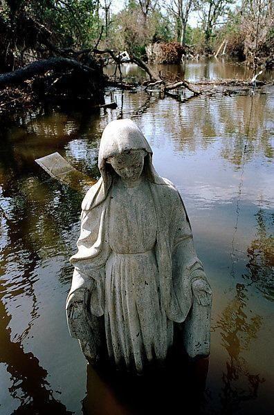 New Orleans, US. Hurricane Katrina, parish Saint Bernard, September 2005 (Donatien Garnier). Collectif Argos.