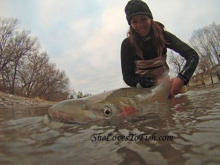 She loves to #fish visit her at http://dicht-am-fisch.de/daf-female-fishing/ashley-rae-can