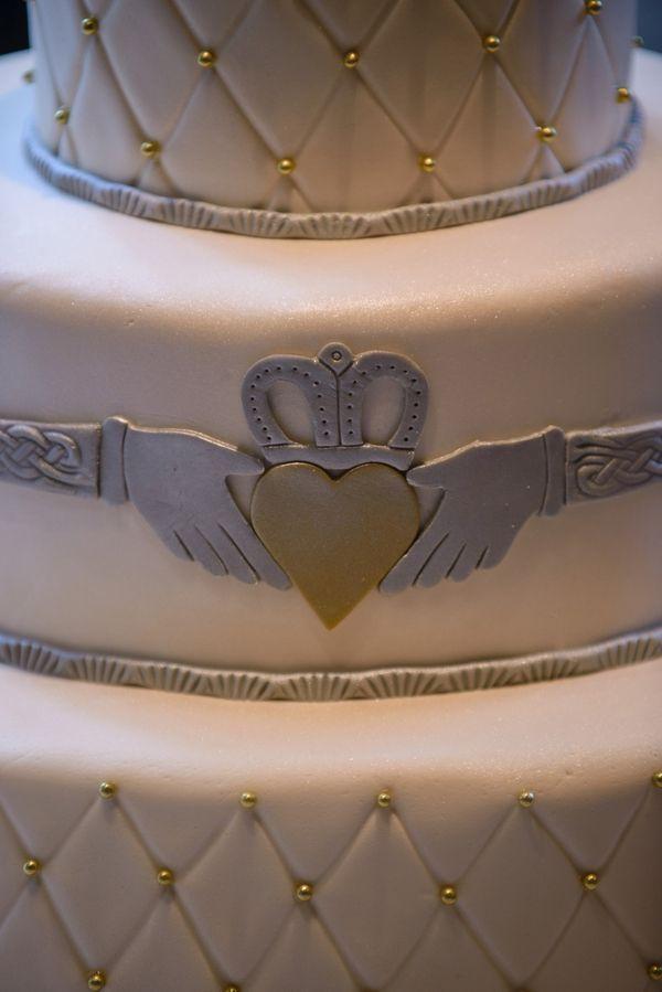Claddagh wedding ring cake - Dunafon Castle Wedding in Colorado: Rachel + Connor