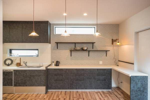 ダイニングを広く キッチンは壁付けにしてl型に配列 注文住宅 壁