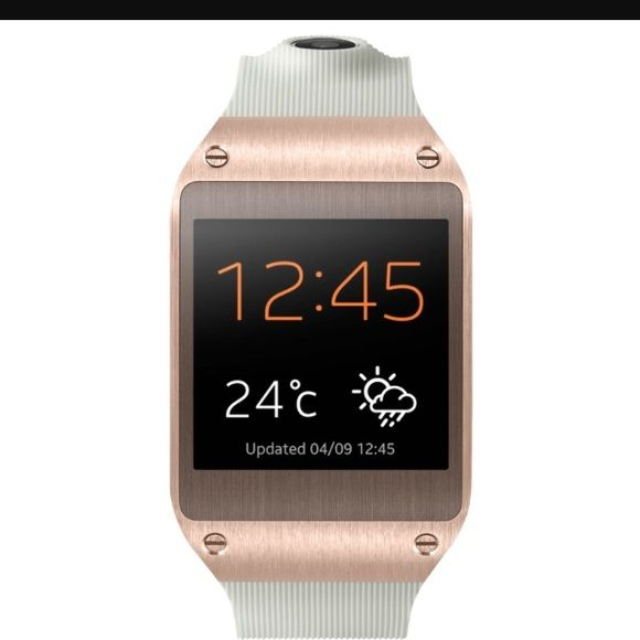 Samsung Galaxy Gear Rose Gold Used 2 times then got an IPhone couldn't use it Samsung Accessories Watches