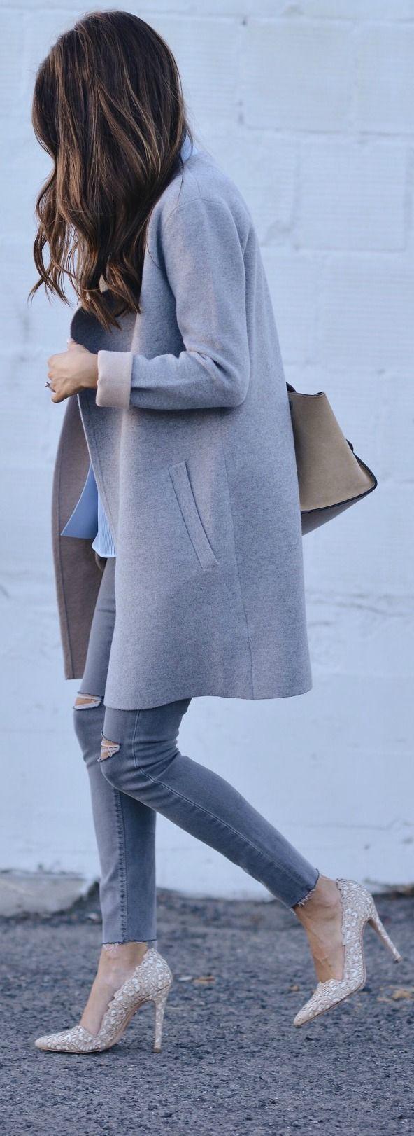 Long grey coat + sparkle heels.   pinterest : @tileeeeyahx3 ☼