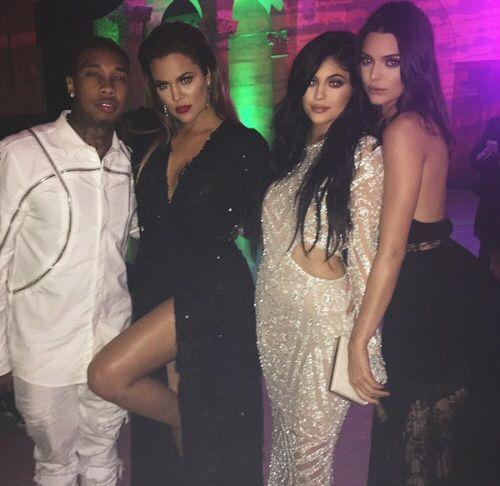 www.awesomeworld.co.uk Love #kardashians and #jenners style?  GET IT! ❤️ FROM 20$ ❤️ Worldwide free shipping  Want #khloekardashian #dress? We have the EXACT ONE! www.awesomeworld.co.uk