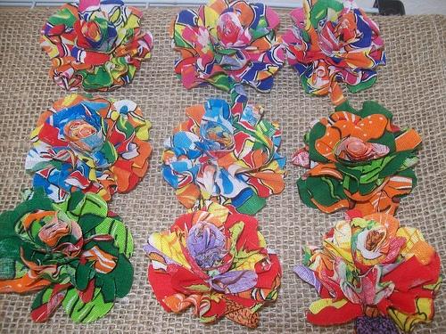 Flores de chita, adorno via Renata Liporaci: Arraiá Chic
