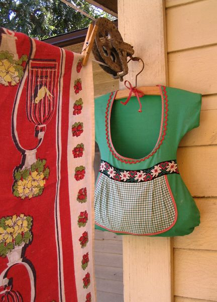 Pretty clothesline bag! I love how fresh clothing smells when dried on the clothesline.
