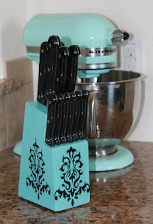 Upcycling, Knife Holder - could do this with lots of things I guess, appliances, and maybe the big tin I keep my big utensils in.