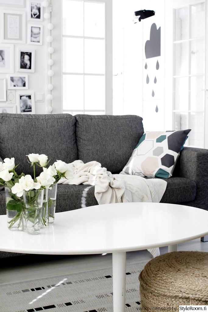 olohuone,olohuoneen sisustus,sohva,sisustustyyny
