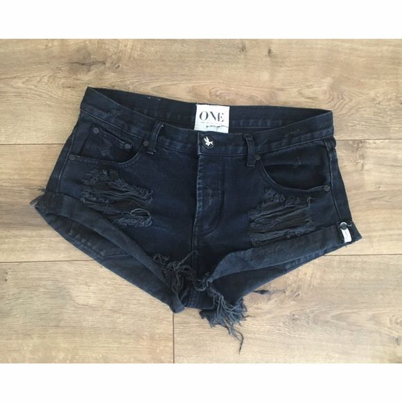 One teaspoon Fox black bandits One teaspoon fox black bandits size 27 like new!! One Teaspoon Shorts Jean Shorts