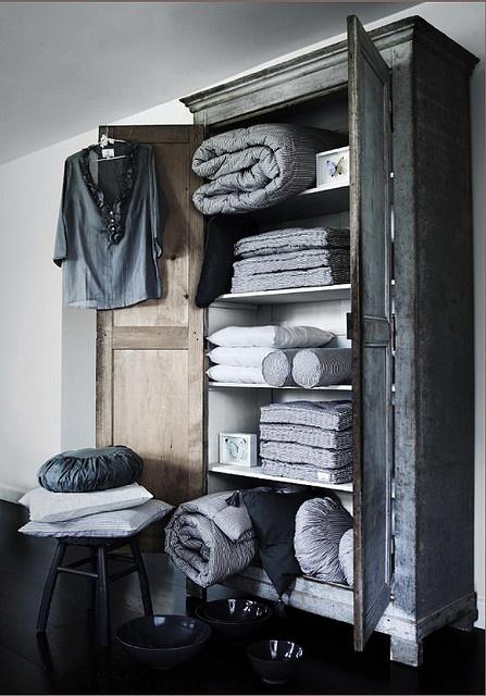 .linens/pillows