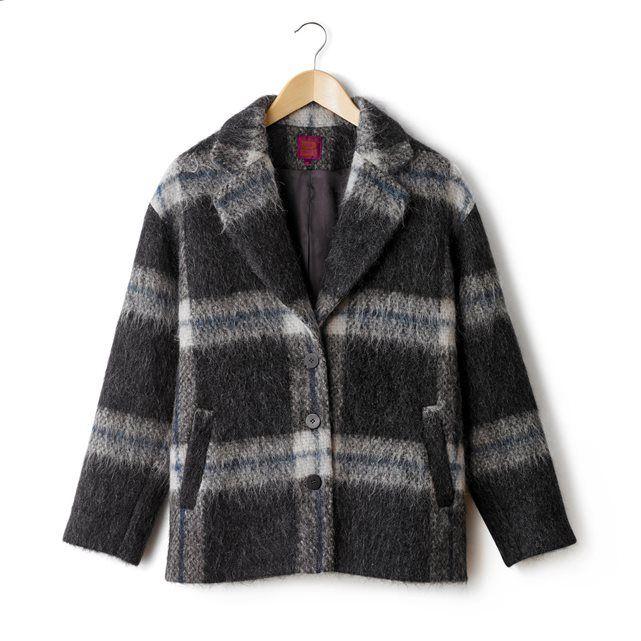 Пальто короткое в клетку BENSIMON : цена, отзывы & рейтинг, доставка. Пальто BENSIMON (Бенсимон). Короткое пальто, ткань с рисунком в клетку из шерсти, альпака и мохера. Английский воротник, застежка на 3 пуговицы спереди. 2 кармана спереди. На подкладке. Верх из 50% шерсти, 12% мохера, 10% альпаки. На подкладке из 100% полиэстера.