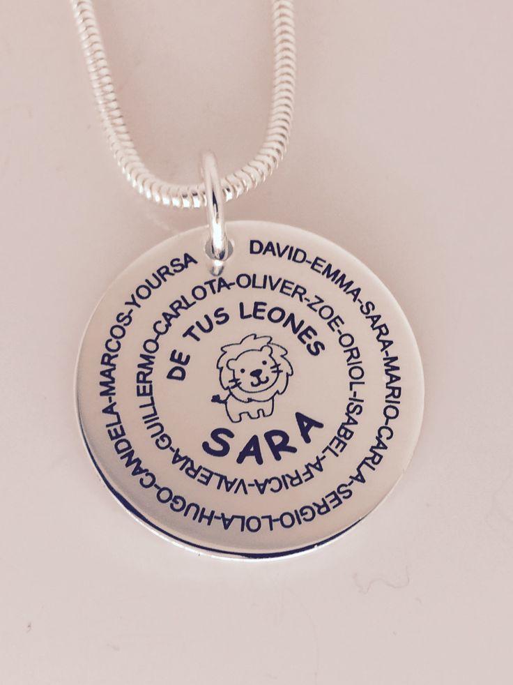 MEDALLON con cadena de cola de ratón  en  plata de ley. Regalo especial grabado personalizado para la profesora de la clase de los Leones. #joyasquehablandeti #miplatafina.