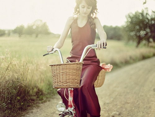 That color.....oh my goodness.  Not sure if I'd make it there in one piece with the bike and the dress......