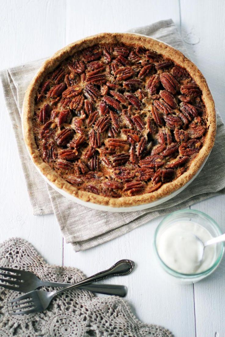 Amerikkalainen pekaanipiirakka // American Pecan Pie Food & Style Tiina Garvey Photo Tiina Garvey www.maku.fi